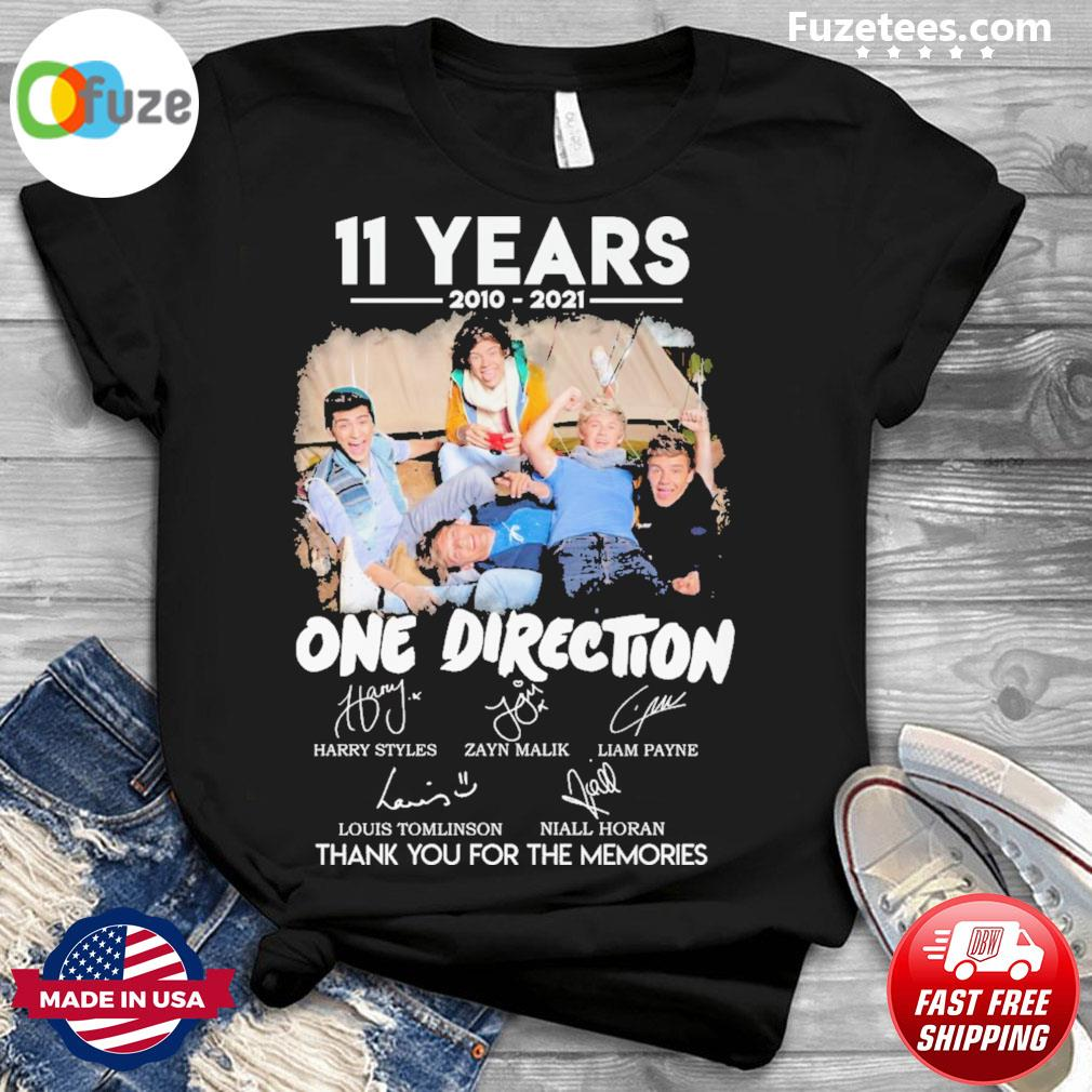 11 years 2010 2021 One Direction signatures thank you for the memories shirt.